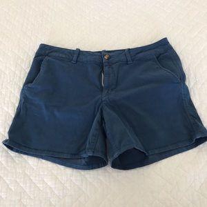 American Eagle midi twill shorts